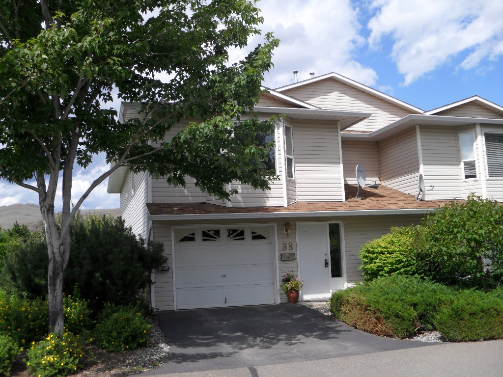 "Main Photo: 38 2714 Tranquille Rd in KAMLOOPS,BC: House 1/2 Duplex for sale in ""FULTON PLACE"" : MLS(r) # 104791"