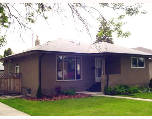 Main Photo: 626 CAMPBELL Street in WINNIPEG: River Heights / Tuxedo / Linden Woods Single Family Detached for sale (South Winnipeg)  : MLS(r) # 2709649