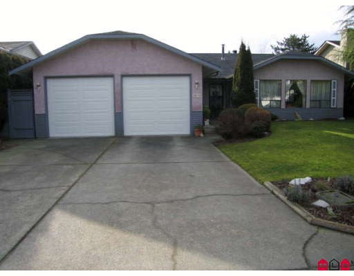 Main Photo: 32774 OKANAGAN Drive in Abbotsford: Abbotsford West House for sale : MLS®# F2801653