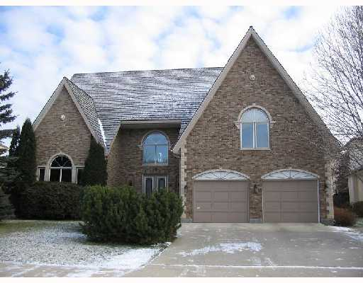 Main Photo: 18 DUMBARTON Boulevard in WINNIPEG: River Heights / Tuxedo / Linden Woods Residential for sale (South Winnipeg)  : MLS(r) # 2719777