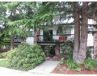 "Main Photo: 101 2330 MAPLE Street in Vancouver: Kitsilano Condo for sale in ""MAPLE GARDENS"" (Vancouver West)  : MLS® # V698956"