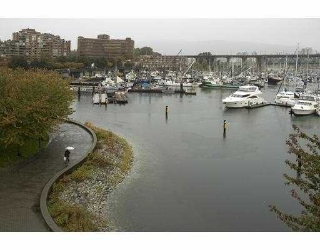 "Main Photo: 405 1502 ISLAND PARK Walk in Vancouver: False Creek Condo for sale in ""THE LAGOONS"" (Vancouver West)  : MLS® # V674529"