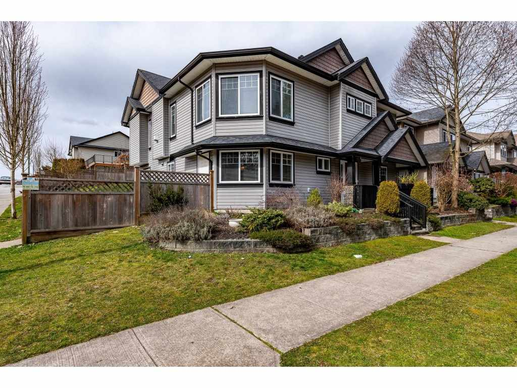 FEATURED LISTING: 11335 CREEKSIDE Street Maple Ridge
