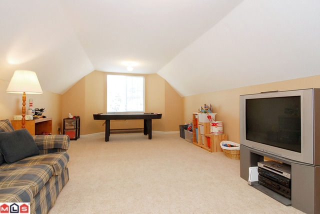 Photo 9: 14460 18A AV in Surrey: House for sale : MLS® # F1021975