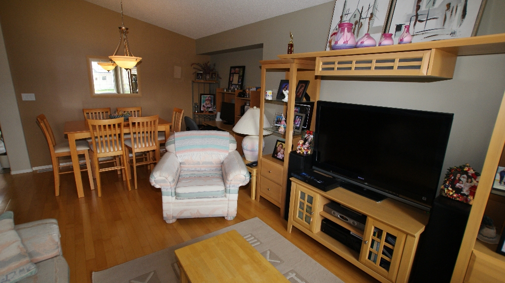 Photo 8: 108 William Gibson Bay in Winnipeg: Transcona Residential for sale (North East Winnipeg)