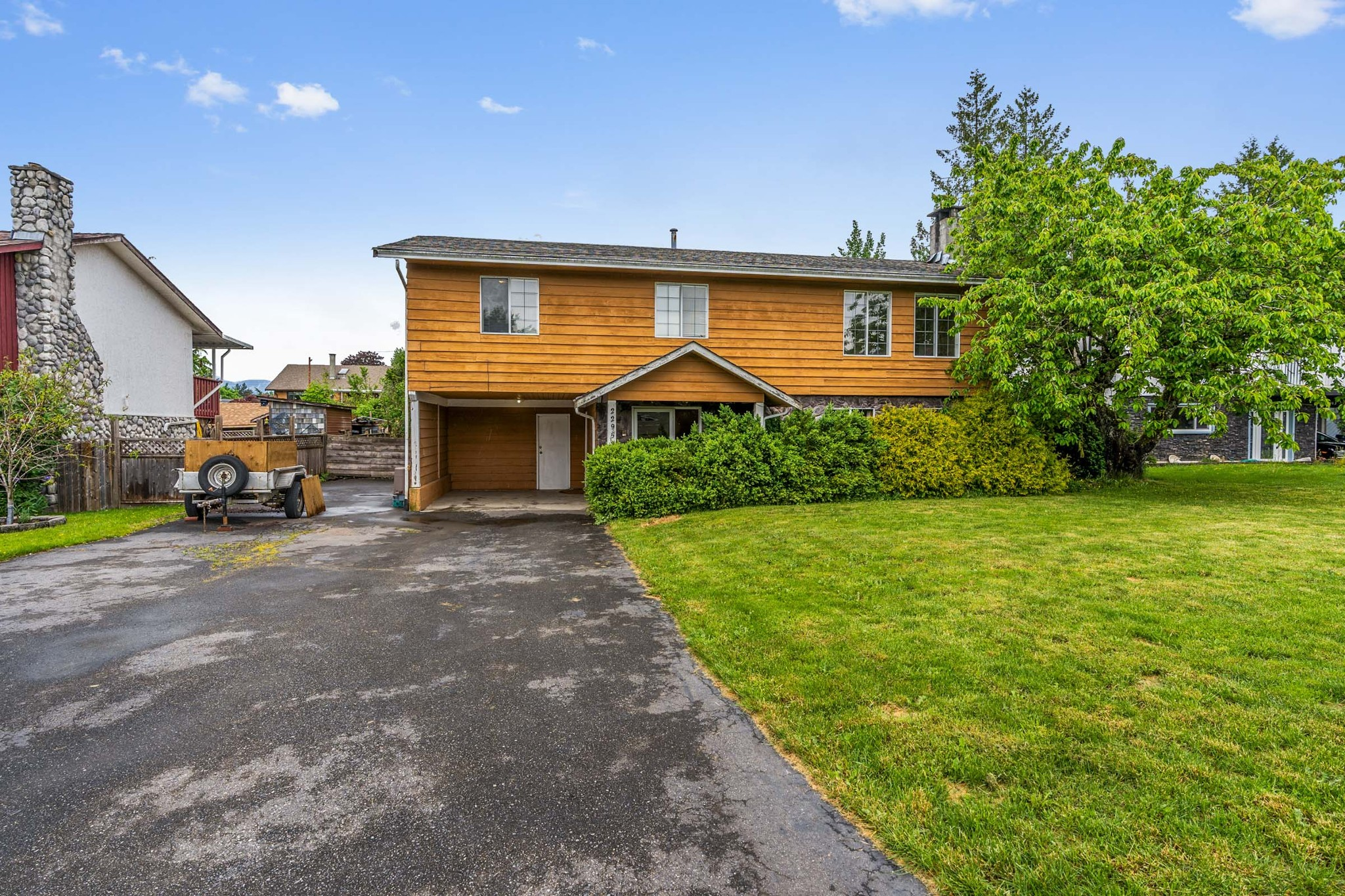 FEATURED LISTING: 22953 GILLEY Avenue Maple Ridge