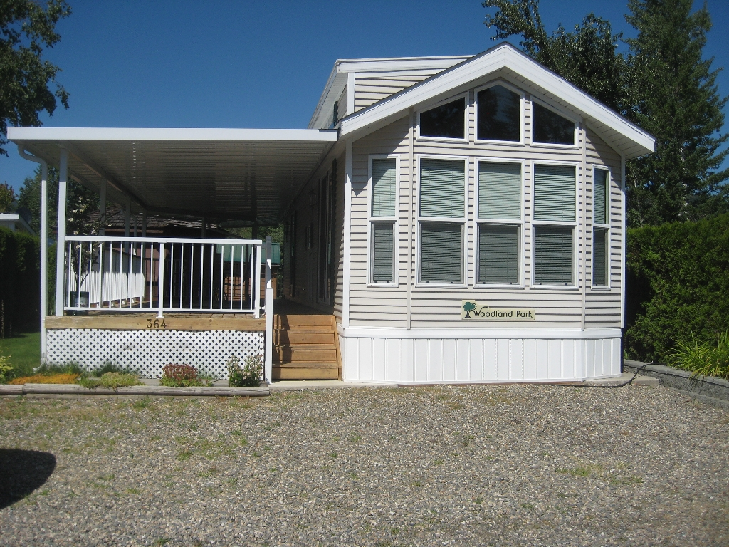 Main Photo: 3980 in Scotch Creek: Manufactured Home for sale : MLS® # 10035984