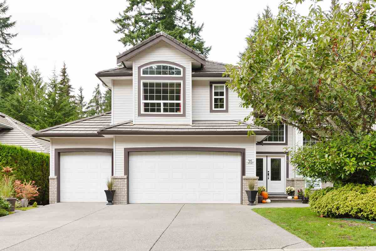 FEATURED LISTING: 35 FLAVELLE Drive Port Moody