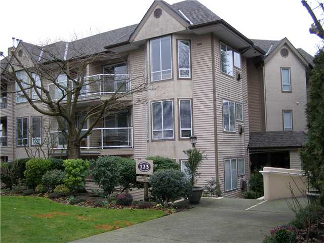 Main Photo: 105 123 E 6th Street in North Vancouver: Lower Lonsdale Condo for sale : MLS® # V869387