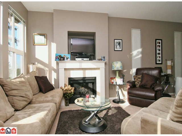 "Photo 3: # 86 35287 OLD YALE RD in Abbotsford: Abbotsford East Condo for sale in ""The Falls"" : MLS® # F1126338"