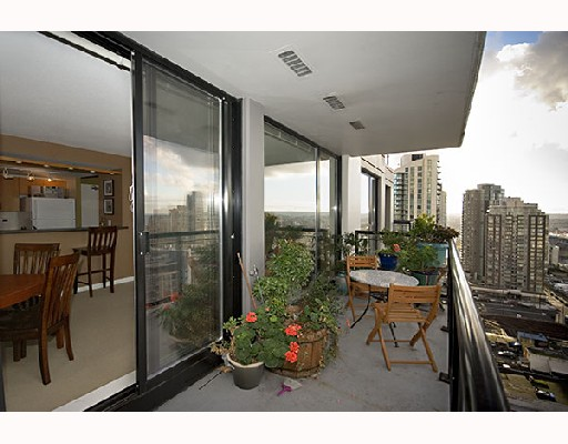 "Photo 7: 2309 1295 RICHARDS Street in Vancouver: Downtown VW Condo for sale in ""OSCAR"" (Vancouver West)  : MLS® # V680332"