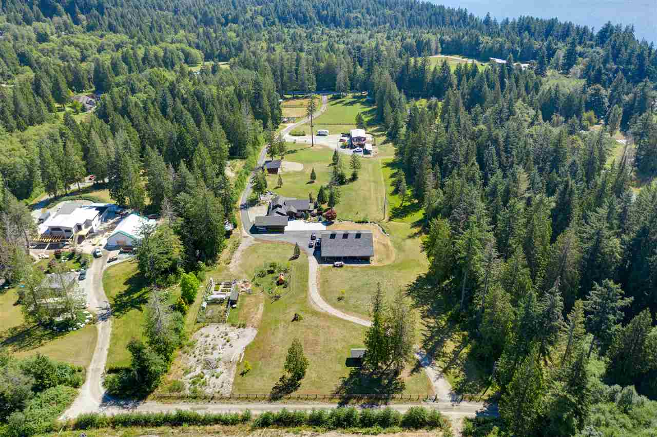FEATURED LISTING: 981 CHAMBERLIN Road Gibsons