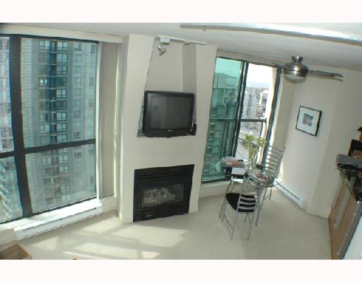 "Photo 2: 2703 501 PACIFIC Street in Vancouver: Downtown VW Condo for sale in ""THE 501"" (Vancouver West)  : MLS(r) # V698501"