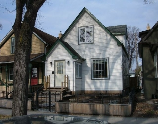 Main Photo: 768 INGERSOLL ST in WINNIPEG: West End / Wolseley Single Family Detached for sale (West Winnipeg)  : MLS® # 2906946
