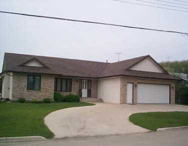Main Photo: 473 ST JOSEPH Street in St Pierre-Jolys: Manitoba Other Single Family Detached for sale : MLS® # 2507890