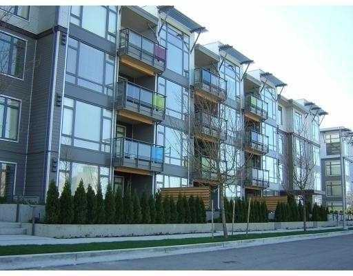 "Main Photo: 109 14300 RIVERPORT Way in Richmond: East Richmond Condo for sale in ""WATERSTONE PIER"" : MLS®# V668761"