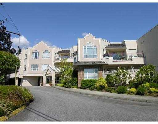 "Main Photo: 304 2800 CHESTERFIELD Ave in North Vancouver: Upper Lonsdale Condo for sale in ""SOMERSET GREEN"" : MLS® # V645038"