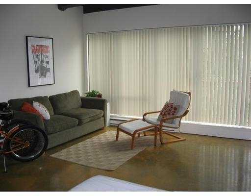 "Photo 7: 350 E 2ND Ave in Vancouver: Mount Pleasant VE Condo for sale in ""MAINSPACE"" (Vancouver East)  : MLS(r) # V632782"
