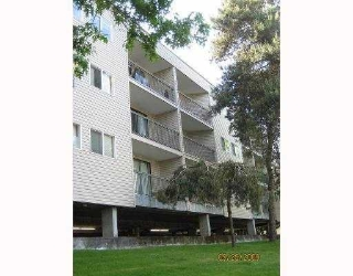 "Main Photo: 202 8391 BENNETT Road in Richmond: Brighouse South Condo for sale in ""GARDEN GLEN"" : MLS® # V794638"