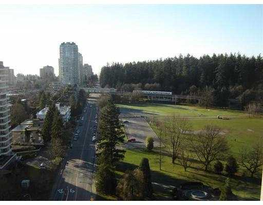 "Photo 8: 1903 5652 PATTERSON AV in Burnaby: Central Park BS Condo for sale in ""Central Park Place"" (Burnaby South)  : MLS® # V574066"