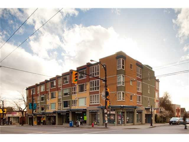 "Main Photo: # 405 1688 E 4TH AV in Vancouver: Grandview VE Condo for sale in ""LA CASA"" (Vancouver East)  : MLS® # V874990"