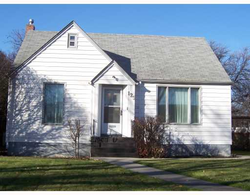 FEATURED LISTING: 125 ASHLAND WINNIPEG