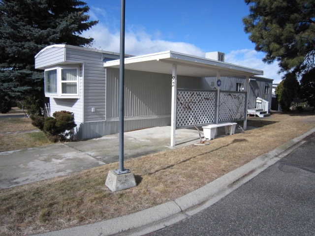 Photo 2: 98 OKANAGAN AVE E in Penticton: Other for sale (92)  : MLS(r) # 113485