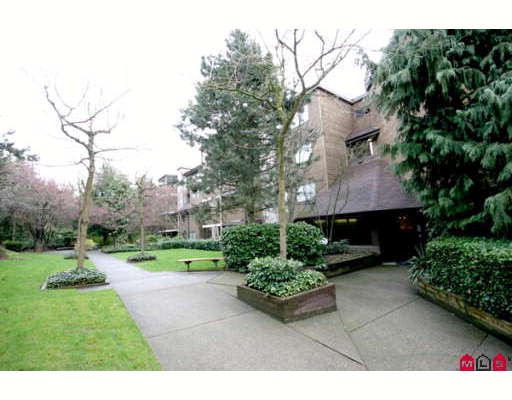 "Main Photo: 201 10626 151A Street in Surrey: Guildford Condo for sale in ""Lincoln's Hill"" (North Surrey)  : MLS® # F2807802"