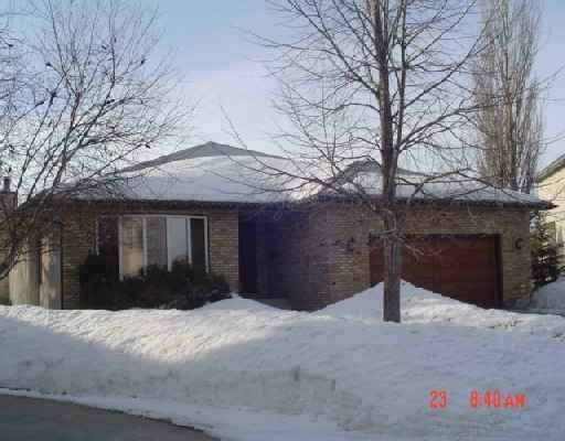 Main Photo: 22 SANDSTONE PLACE in : Fort Garry/Whyte Ridge/St Norbert Residential for sale (South West Winnipeg)  : MLS® # 2704125