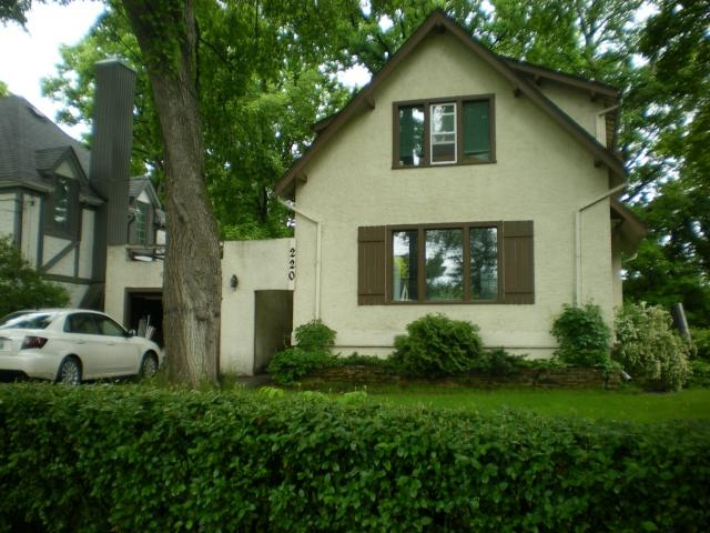 Main Photo: 220 KINGSTON Row in Winnipeg: Residential  : MLS(r) # 1112101