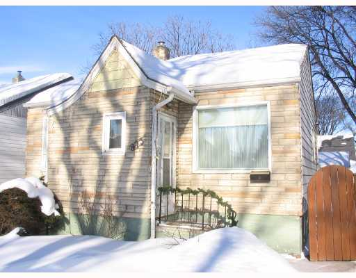 Main Photo: 873 DUDLEY Avenue in WINNIPEG: Fort Rouge / Crescentwood / Riverview Residential for sale (South Winnipeg)  : MLS(r) # 2802364