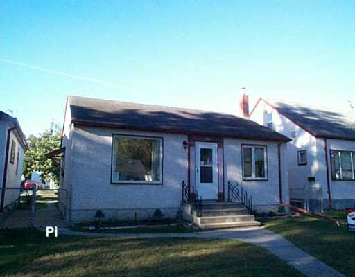 Main Photo: 696 BANNERMAN Avenue in Winnipeg: North End Single Family Detached for sale (North West Winnipeg)  : MLS® # 2615802