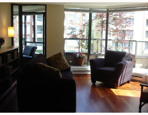 "Photo 9: 302 1860 ROBSON Street in Vancouver: West End VW Condo for sale in ""STANLEY PARK PLACE"" (Vancouver West)  : MLS(r) # V662524"