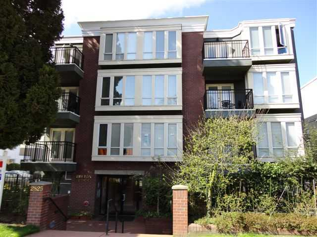 "Main Photo: # 202 2825 ALDER ST in Vancouver: Fairview VW Condo for sale in ""BRETON MEWS"" (Vancouver West)  : MLS® # V890236"