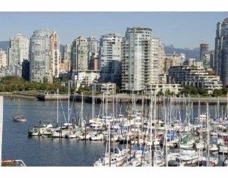 Main Photo: 311 674 LEG IN BOOT Square in Vancouver: False Creek Townhouse for sale (Vancouver West)  : MLS® # V668045