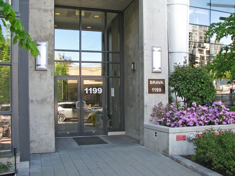 "Photo 1: Photos: 302 1199 Seymour Street in Vancouver: Downtown Condo for sale in ""Brava"" (Vancouver West)  : MLS(r) # V827032"