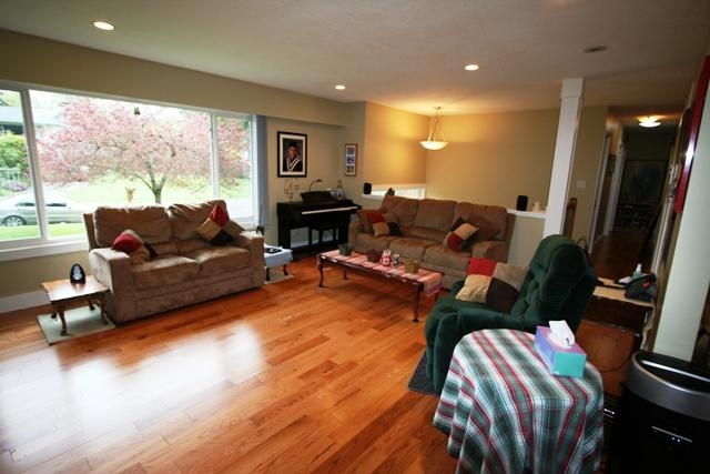 Photo 5: 6752 Jedora Dr in Central Saanich: Residential for sale : MLS(r) # 277166
