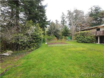 Photo 16: 2770 Benson Place in VICTORIA: SE Ten Mile Point Residential for sale (Saanich East)  : MLS(r) # 298656