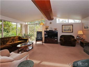 Photo 4: 2770 Benson Place in VICTORIA: SE Ten Mile Point Residential for sale (Saanich East)  : MLS(r) # 298656
