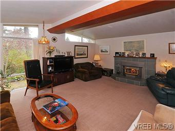 Photo 2: 2770 Benson Place in VICTORIA: SE Ten Mile Point Residential for sale (Saanich East)  : MLS(r) # 298656