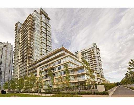"Main Photo: 301 426 BEACH Crescent in Vancouver: False Creek North Condo for sale in ""KINGSLANDING"" (Vancouver West)  : MLS(r) # V652218"