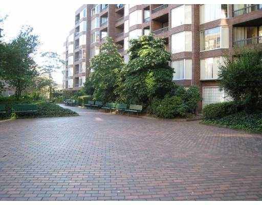 "Main Photo: 708 950 DRAKE Street in Vancouver: Downtown VW Condo for sale in ""ANCHOR POINT"" (Vancouver West)  : MLS® # V661241"