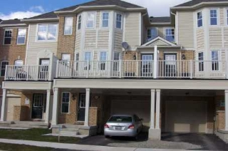 Main Photo:  in Milton: House (3-Storey) for sale (W22: HALTON)  : MLS® # W1351078