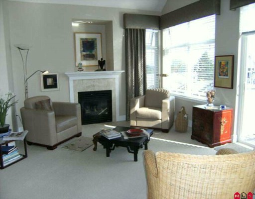 "Photo 2: 405 15392 16A Avenue in Surrey: King George Corridor Condo for sale in ""Ocean Bay Villa"" (South Surrey White Rock)  : MLS® # F2924326"