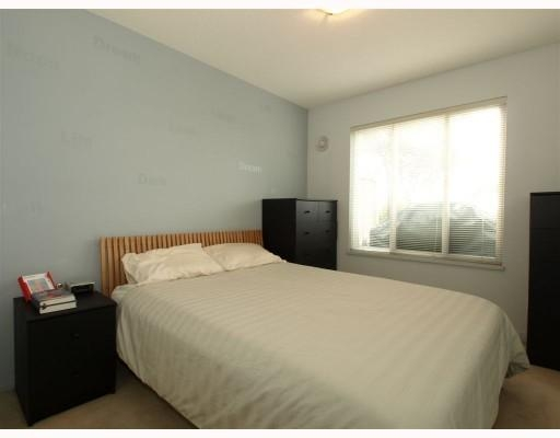 Photo 9: 111-333 East 1st Street in North Vancouver: Lower Lonsdale Condo for sale : MLS(r) # V762405