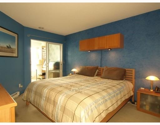 Photo 7: 111-333 East 1st Street in North Vancouver: Lower Lonsdale Condo for sale : MLS(r) # V762405