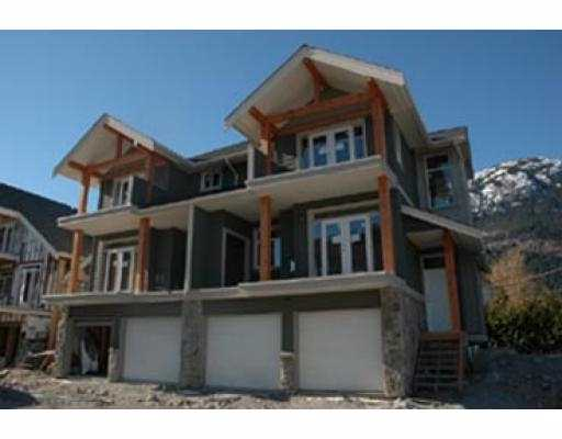 "Main Photo: 26 39760 GOVERNMENT RD: Brackendale Townhouse for sale in ""ARBOURWOODS"" (Squamish)  : MLS® # V577500"