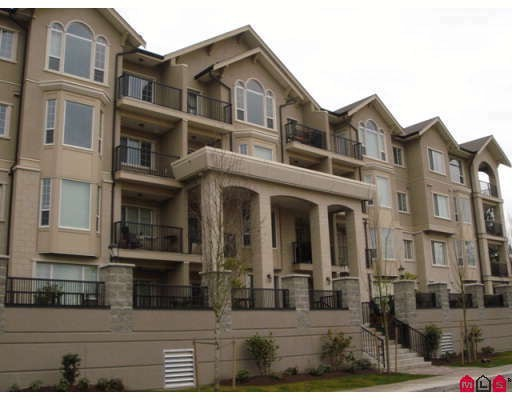 "Main Photo: 309 20281 53A Avenue in Langley: Langley City Condo for sale in ""Chilton Layne"" : MLS®# F2815866"