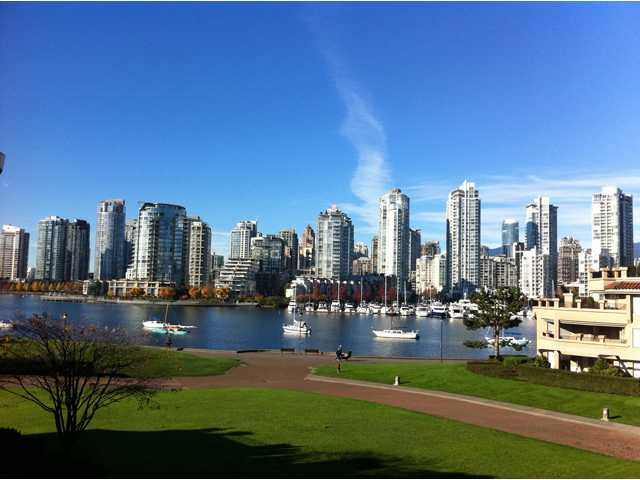 Main Photo: 313 1869 Spyglass Place in Vancouver: False Creek Condo for sale (Vancouver West)  : MLS®# V870454