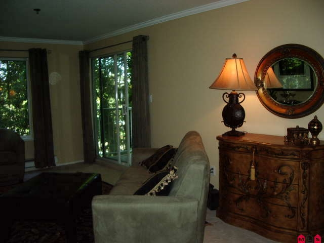 Photo 2: # 113 2130 MCKENZIE RD in Abbotsford: Central Abbotsford Condo for sale : MLS® # F2923720